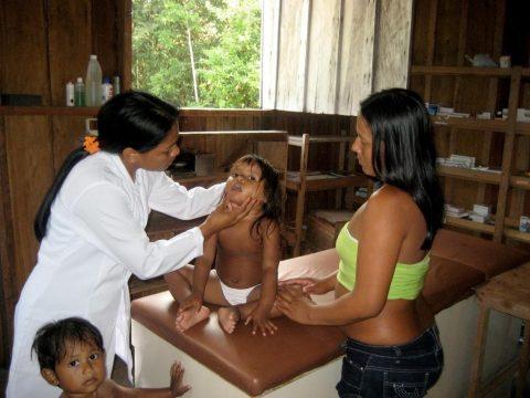 donazione-farmaci-alla-riserva-di-xixuau